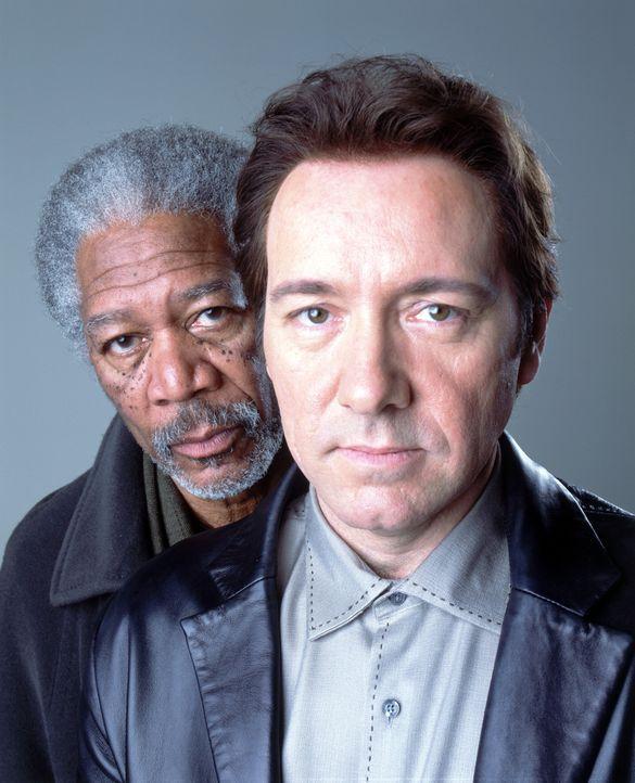 Um an die Hintermänner zu kommen, muss sich der junge Journalist Joshua mit dem ausgebrannten Journalisten Moses Ashford (Morgan Freeman, l.) und d... - Bildquelle: 2005 FILM & ENTERTAINMENT VIP MEDIENFONDS 3 GmbH & Co. KG GmbH