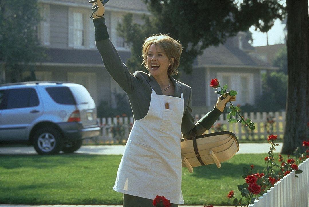 Ihre Ehe ist zerrüttet, ihr Job läuft denkbar schlecht, dennoch zählt für Carolyn Burnham (Annette Bening) nur eines: die Fassade eines intakten Fam... - Bildquelle: Lorey Sebastian TM+  1999 DreamWorks LLC. All Rights Reserved.