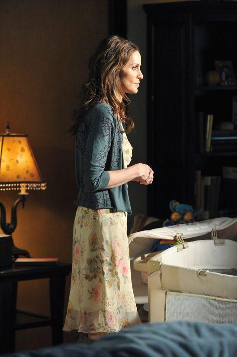Violet (Amy Brenneman) kehrt von ihrem Aufenthalt in Costa Rica zurück, was für Schwierigkeiten in der Klinik sorgt ... - Bildquelle: ABC Studios