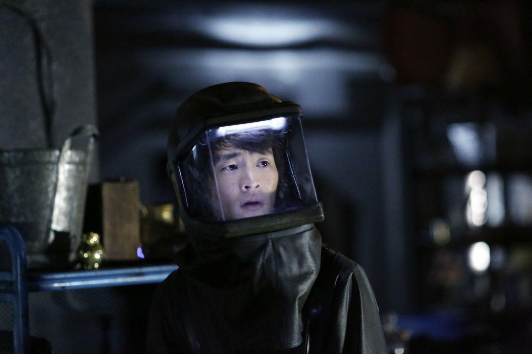 Während Clarkes Entscheidung in Polis für Entsetzen sorgt, spüren Monty (Christopher Larkin) und seine Freunde in Arcadia die ersten Anzeichen der s... - Bildquelle: 2016 Warner Brothers