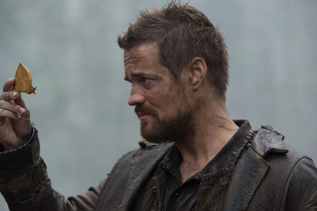 Nachdem John (Shane West) erneut die Auswirkungen des magischen Kräuterbeutels gespürt hat, zieht er sich in die Wälder zurück und macht dort einige... - Bildquelle: 2015 Fox and its related entities. All rights reserved.