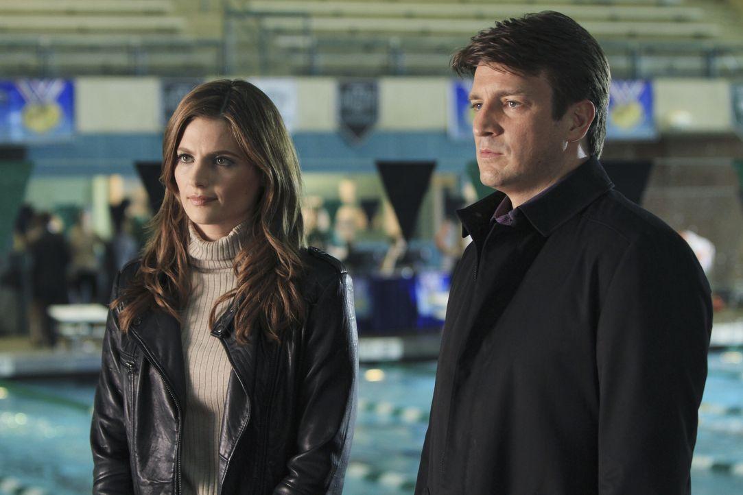 Im aktuellen Fall gibt es eine große Auswahl an Verdächtigen. Es wartet also viel Arbeit auf Beckett (Stana Katic, l.) und Castle (Nathan Fillion, r... - Bildquelle: ABC Studios