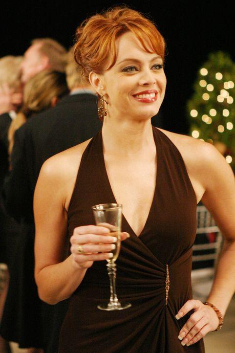 Julie (Melinda Clarke) gibt ganz allein Jimmy die Schuld an Marissas Verhalten ... - Bildquelle: Warner Bros. Television