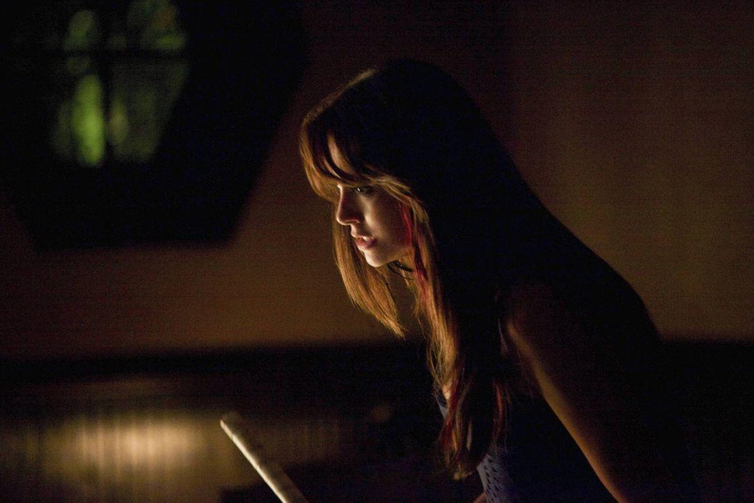 Elena ist bewaffnet...  - Bildquelle: Warner Bros. Entertainment Inc.