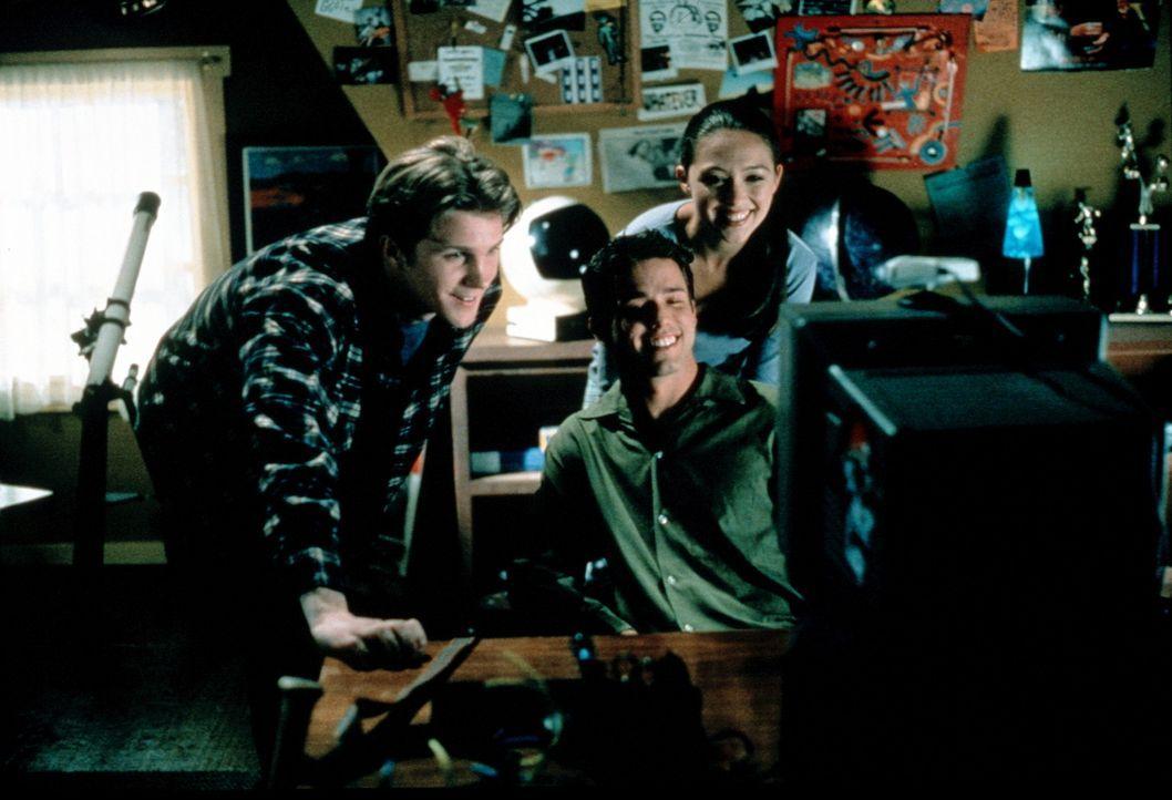 Drei Freunde müsst ihr sein: Gary (Thad Luckinbill), Andrew (Pete Jefferson) und Catherine (Holly Towne) ... - Bildquelle: Kushner-Locke Company