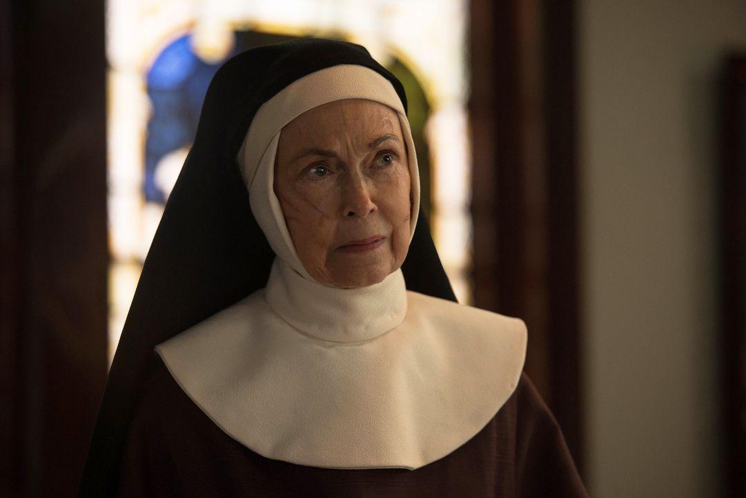 Die ehrwürdige Mutter Bernadette (Deanna Dunagan) trifft eine Entscheidung, die Pater Marcus nicht hinnehmen will, aber kann er noch etwas ändern? - Bildquelle: 2016 Fox and its related entities.  All rights reserved.