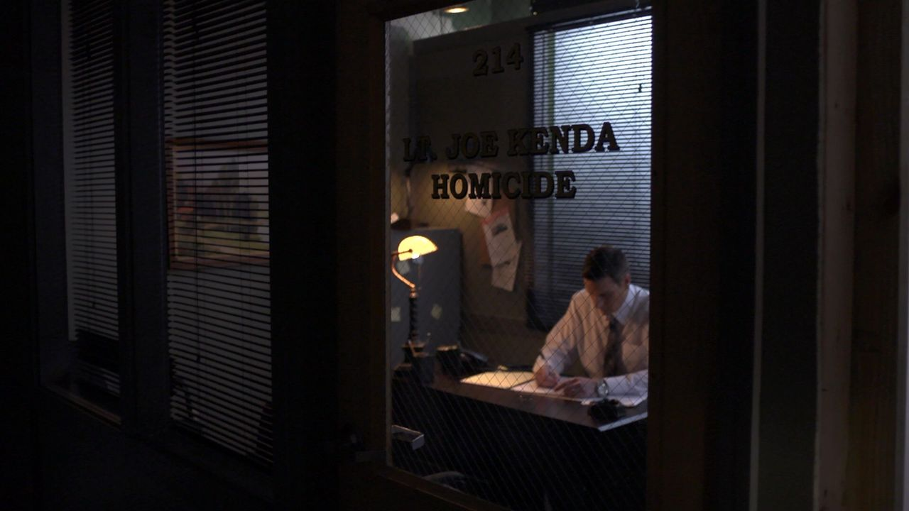 Der Sohn eines prominenten Politikers wird ermordet aufgefunden. Der öffentliche Druck und der des Rathauses bringen Lt. Joe Kenda (Carl Marino) zu... - Bildquelle: Jupiter Entertainment
