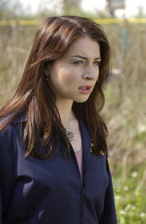Zusammen mit ihren Kollegen ist Jess Mastriani (Caterina Scorsone) auf der Suche nach einer verschwundenen Frau, die möglicherweise ermordet wurde... - Bildquelle: Sony Pictures Television International. All Rights Reserved.