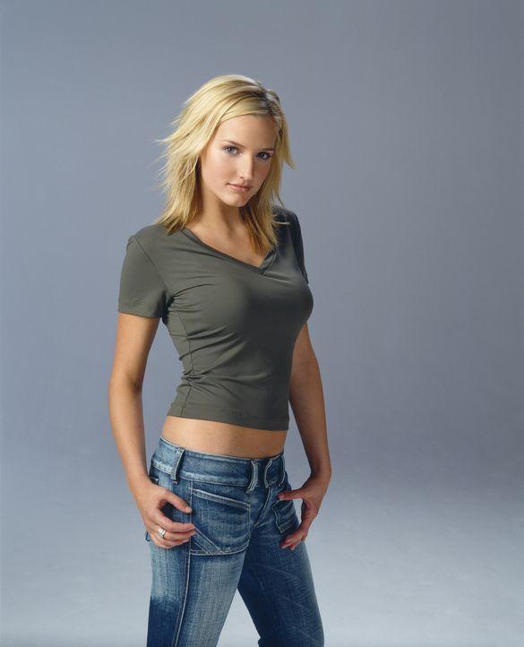 (7. Staffel) - Cecilia Smith (Ashlee Simpson) ist Simons Freundin und ein gern gesehener Gast bei den Camdens. - Bildquelle: The WB Television Network
