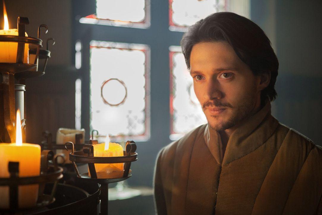 George (David Oakes), der Bruder von König Edward, würde lieber sich selbst auf dem Thron sehen ... - Bildquelle: 2013 Starz Entertainment LLC, All rights reserved
