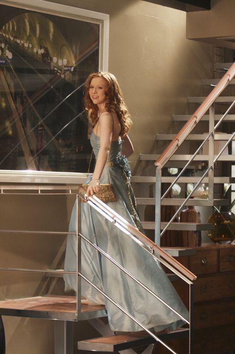 Die frisch verliebte Alexis (Molly C. Quinn) hat sich für den Junior-Senior-Abschlussball ihres Freundes hübsch gemacht. - Bildquelle: ABC Studios