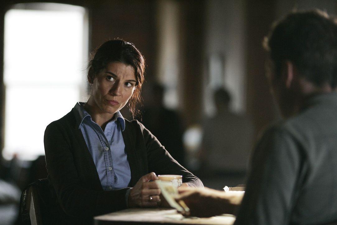Weil Bella (Tina Milo Milivojevic) ihren Mann als vermisst melden möchte, sucht sie gemeinsam mit ihrem Bruder das Rathaus Zimmer 86 auf. Ein fatal... - Bildquelle: Hallmark Entertainment