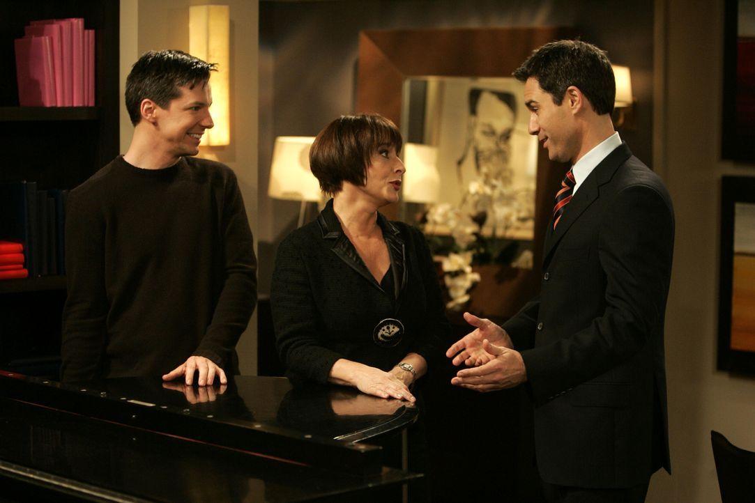 Gehen gemeinsam ans Werk, Patti LuPone (Patti LuPone, M.) kennen zu lernen: Will (Eric McCormack, r.) und Jack (Sean Hayes, l.) ... - Bildquelle: Chris Haston NBC Productions
