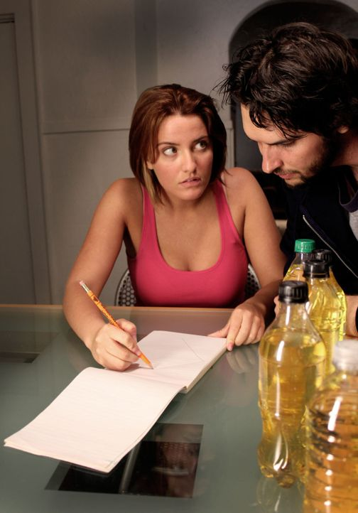 Als sich Missy (l.) und Jason (r.) nach Jahren wiedertreffen, hecken sie einen tödlichen Plan aus ... - Bildquelle: M2 Pictures