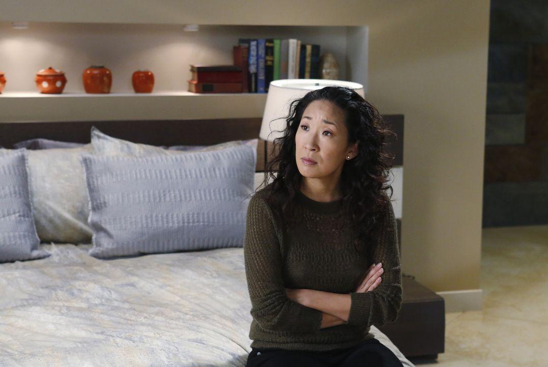 Überlegt, wie es mit Owen und ihr weitergehen soll und stellt sich zwei verschiedene Wege vor, die ihr Leben nehmen könnte: Cristina (Sandra Oh) ... - Bildquelle: ABC Studios