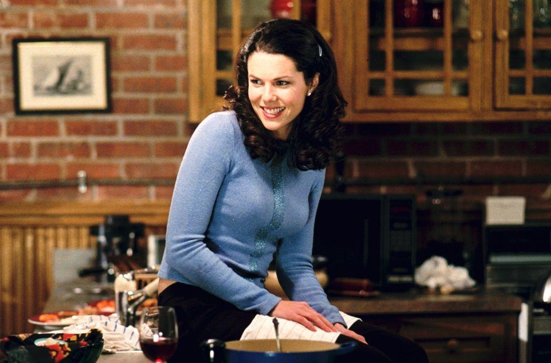 Ausgerechnet am Elternabend trifft Lorelei (Lauren Graham) eine Entscheidung, die für Rory einige Unannehmlichkeiten an der Schule bedeuten ... - Bildquelle: 2000 Warner Bros.