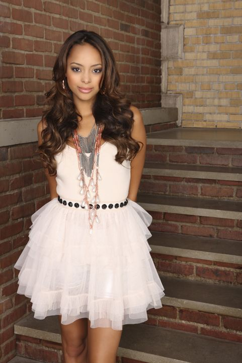 (6. Staffel) - Ashleigh (Amber Stevens) weiß stets über alles, was am Campus passiert Bescheid ... - Bildquelle: 2009 DISNEY ENTERPRISES, INC. All rights reserved. NO ARCHIVING. NO RESALE.