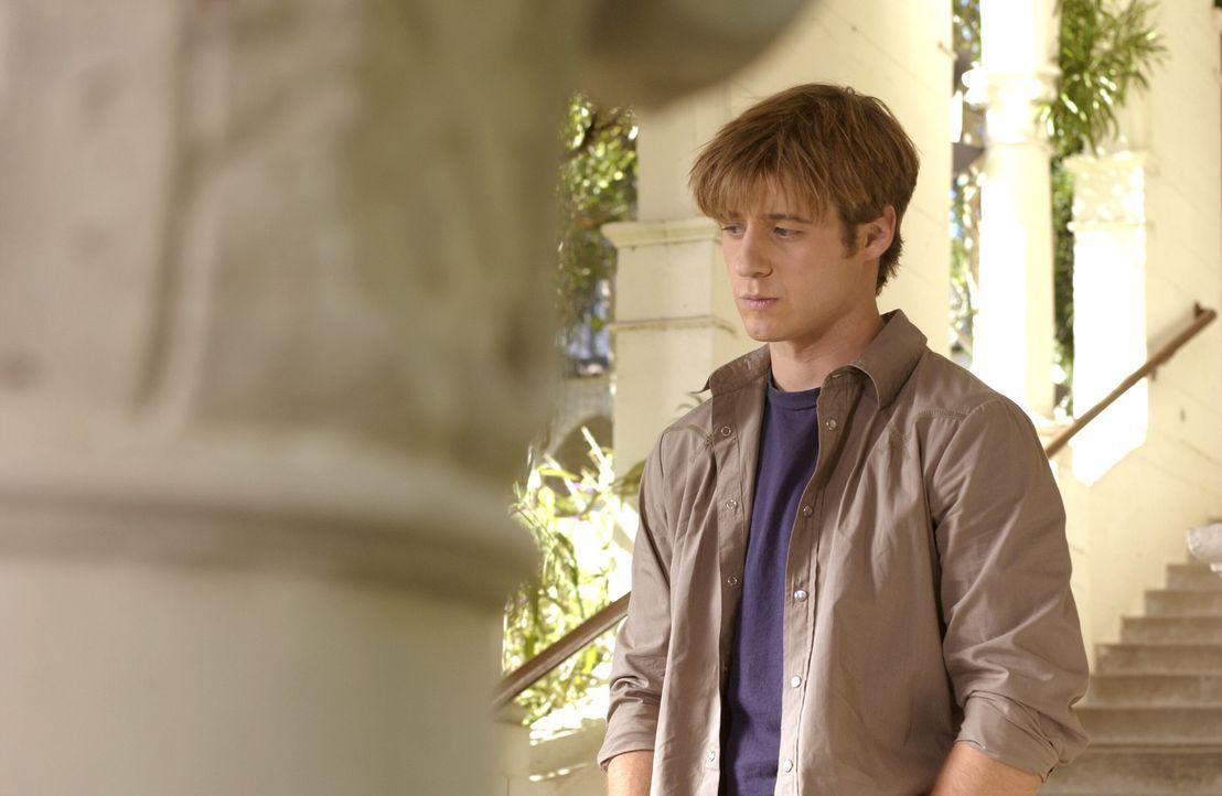 Als Ryan (Benjamin McKenzie) einen Brief von Oliver an Marissa stiehlt, steigen die Spannungen zwischen ihm ins Unerträgliche ... - Bildquelle: Warner Bros. Television