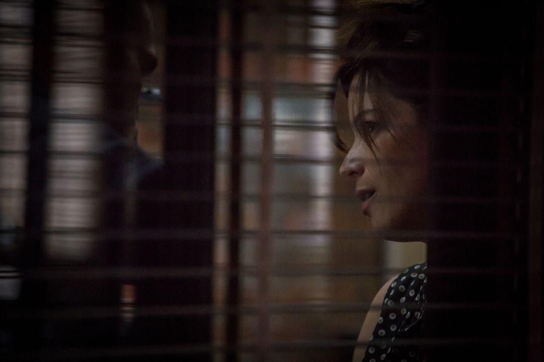 Konfrontiert mit den Dämonen ihrer Vergangenheit, steht Adèle (Juliette Roudet) völlig neben sich ... - Bildquelle: Eloïse Legay 2017 BEAUBOURG AUDIOVISUEL
