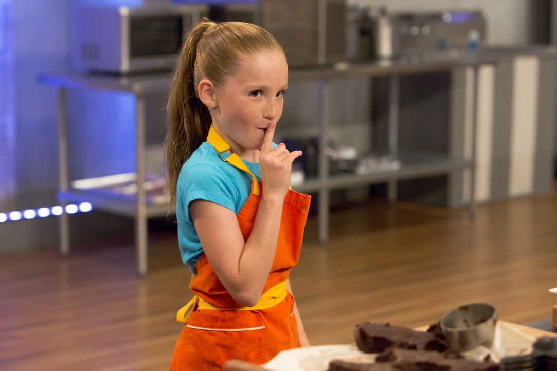 Ist das vielleicht ein wenig zu scharf geworden? Peggy probiert von ihrer Schokoladenmasse ... - Bildquelle: Adam Rose 2015, Television Food Network, G.P.  All Rights Reserved.