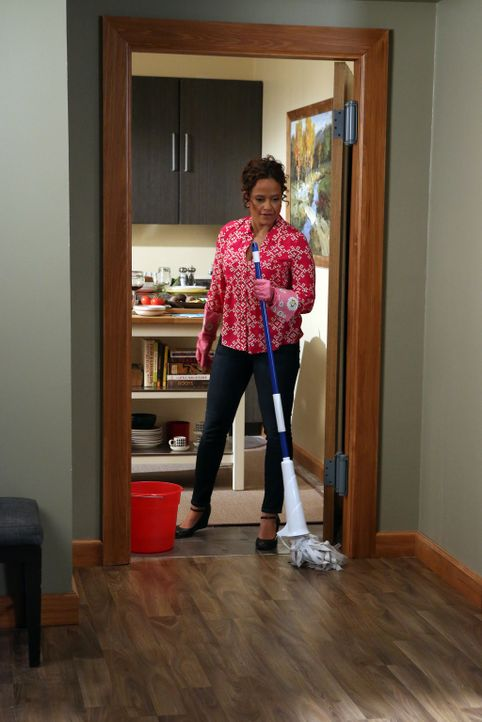 Auch wenn Zoila (Judy Reyes) nur helfen will, scheint sie von einem Fettnäpfchen ins nächste zu tappen ... - Bildquelle: 2014 ABC Studios