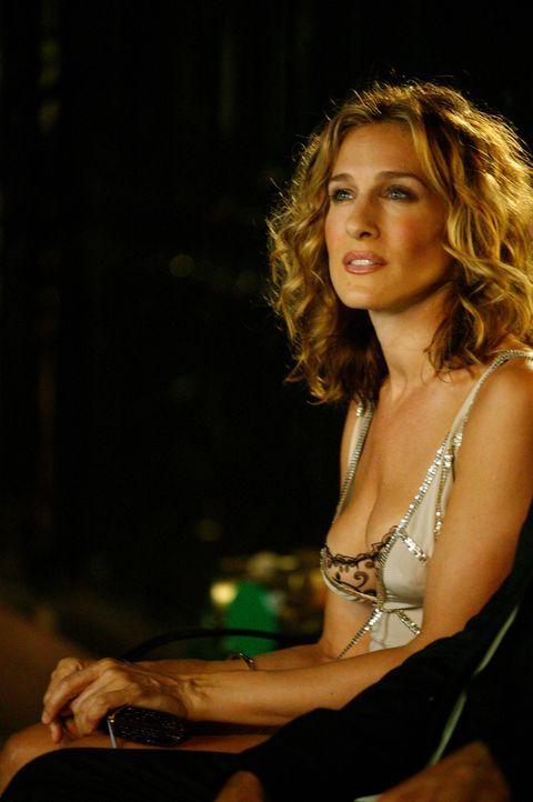 Bei einem Essen mit Mr. Big muss Carrie (Sarah Jessica Parker) Schreckliches erfahren ... - Bildquelle: Paramount Pictures