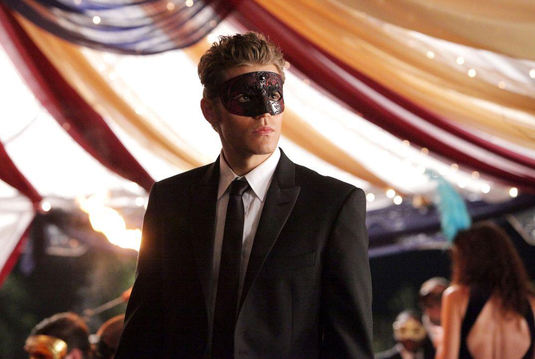 Ist sich sicher, diesmal der hinterhältigen Katherine endgültig das Handwerk legen zu können: Stefan Salvatore (Paul Wesley)... - Bildquelle: Warner Brothers