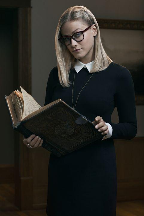 (1. Staffel) - Die schüchterne Alice Quinn (Olivia Taylor Dudley) stammt aus einer Magier-Familie. Wird ihr das zugutekommen oder zum Verhängnis wer... - Bildquelle: 2015 Syfy Media Productions LLC. ALL RIGHTS RESERVED.