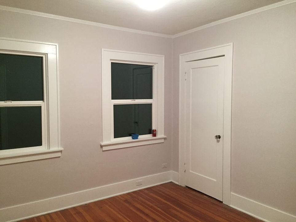 Wird es Bobby und seiner Mutter gelingen mit dem Kauf eines renovierungsbedürftigen Hauses und dem anschließenden Umbau, Gewinn zu machen? - Bildquelle: 2016, DIY Network/Scripps Networks, LLC. All Rights Reserved.