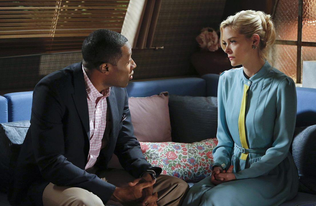 Als Kampagnenmanagerin im Wahlkampf schlägt sich Lemon (Jaime King, r.) eigentlich gut, bis ein Fehler von ihr die Wiederwahl von Lavon (Cress Willi... - Bildquelle: Warner Bros.