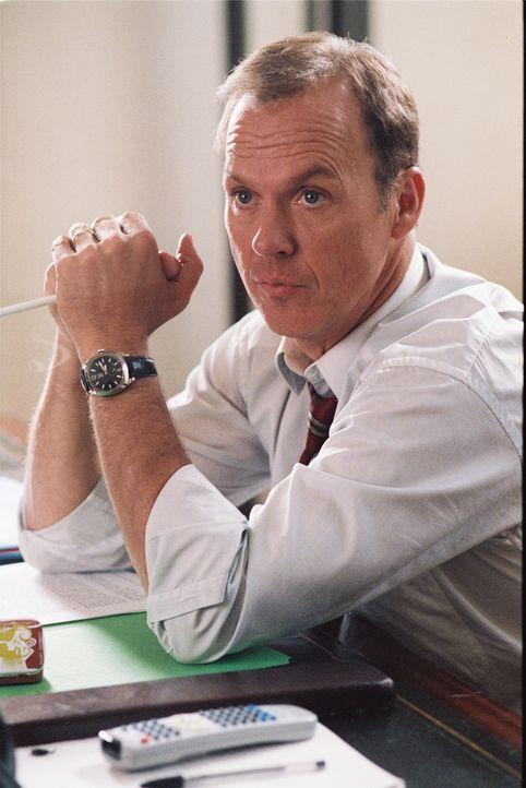 Präsident Mackenzie (Michael Keaton) gefällt es nicht, dass seine junge attraktive Tochter jetzt eigene Wege gehen möchte ... - Bildquelle: Epsilon Motion Pictures GmbH
