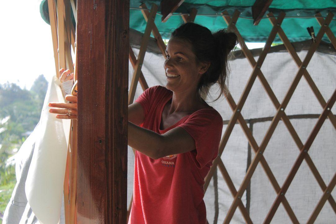 Packt kräftig mit an, um ihren Traum vom Rundzelt-Dorf auf Hawaii wahrwerden zu lassen: Jenny Toler ... - Bildquelle: 2015, HGTV/Scripps Networks, LLC. All Rights Reserved.