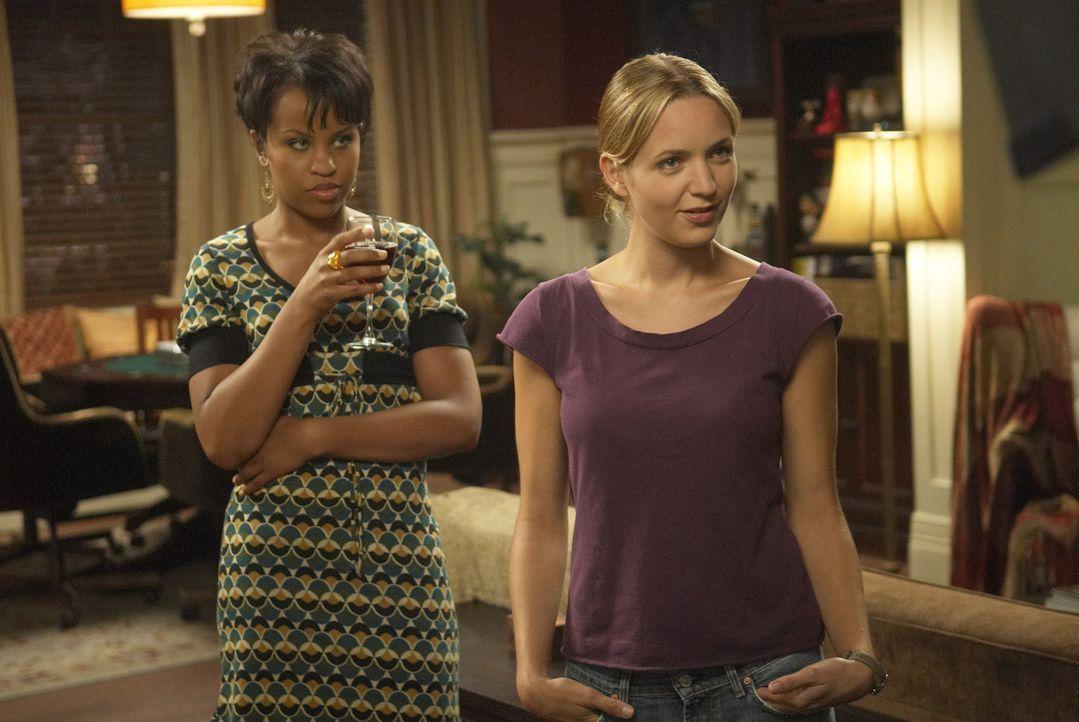 Stephanie (Kellee Stewart, l.) und P.J. (Jordana Spiro, r.) sind von Grund auf verschieden, verstehen sich jedoch oder gerade deshalb prächtig ... - Bildquelle: 2006 Sony Pictures Television Inc. All Rights Reserved.