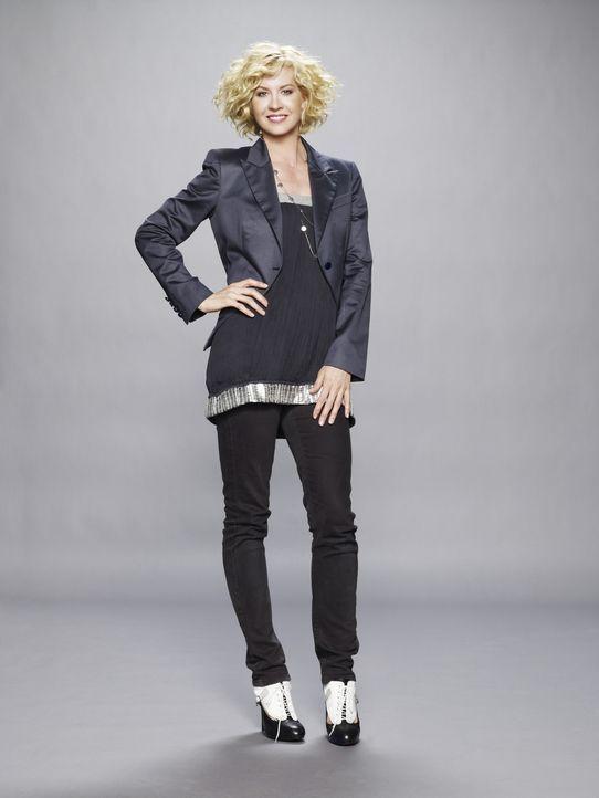 (1. Staffel) - Die Affäre mit dem deutlich jüngeren Zack bleibt nicht ohne Folgen: Billie (Jenna Elfman) - Bildquelle: 2009 CBS Broadcasting Inc. All Rights Reserved