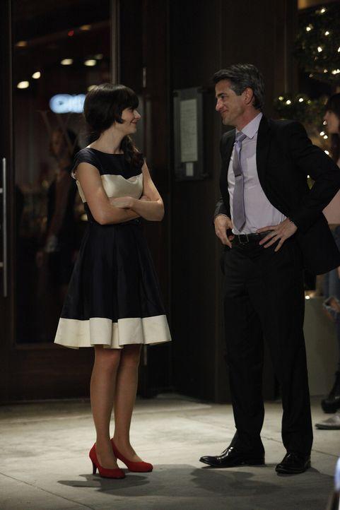 Obwohl Schmidt und Cece alles versuchen, um ihre Affäre zu verheimlichen, findet einer der Freunde ihr Geheimnis heraus, während das Date von Jess (... - Bildquelle: 20th Century Fox