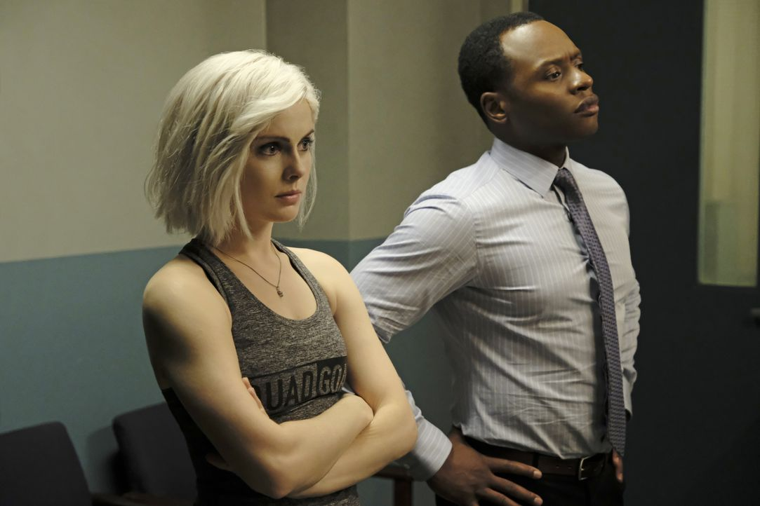 Liv Moore (Rose McIver, l.); Clive Babineaux (Malcolm Goodwin, r.) - Bildquelle: Michael Courtney 2019 The CW Network, LLC. All Rights Reserved. / Michael Courtney