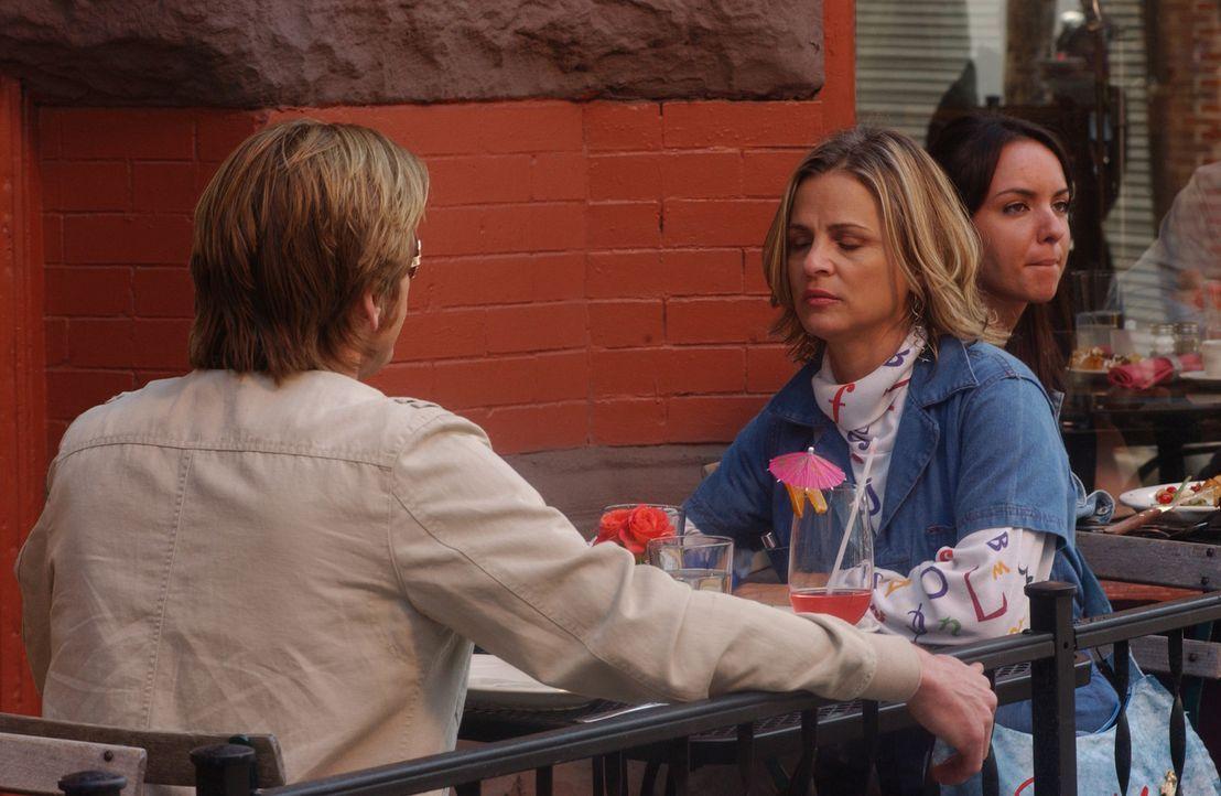 Nachdem Janet ihn verlassen hat, lässt sich Tommy (Denis Leary, l.) auf ein Date mit Beth (Amy Sedaris, r.) ein, der neurotischen Tochter von Chief... - Bildquelle: 2007 Sony Pictures Television Inc. All Rights Reserved