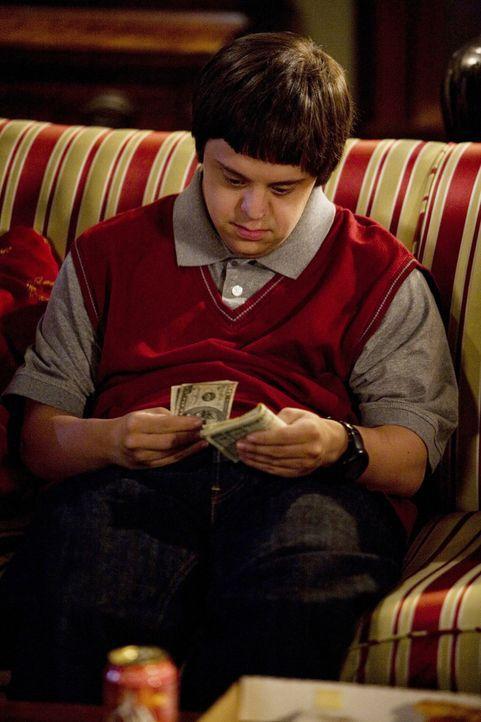 Tom (Luke Zimmerman) hat heute sturmfrei und nutzt das auch gründlich aus... - Bildquelle: ABC Family