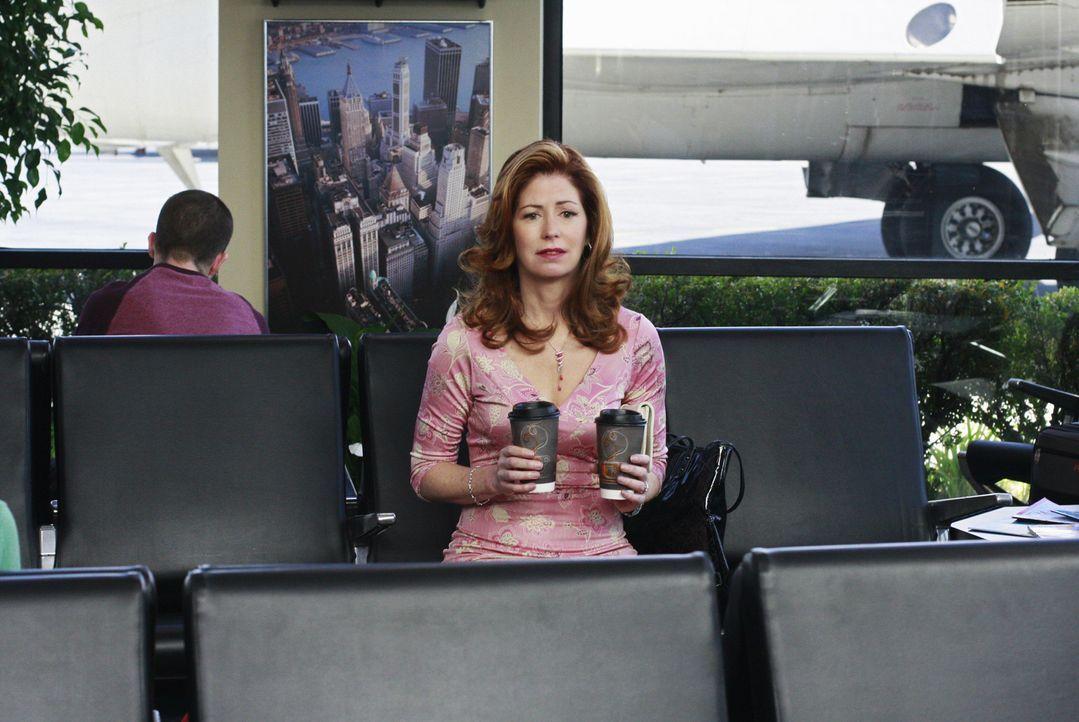 Katherine (Dana Delany) versteht die Welt nicht mehr, als Mike plötzlich abhaut und sie alleine am Flughafen zurücklässt ... - Bildquelle: ABC Studios