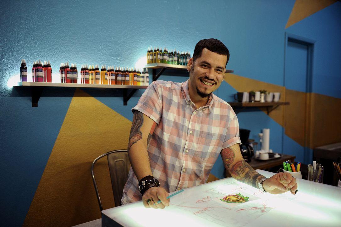 """Vom Straßen-Maler und Comic-Zeichner zum Tattoo-Künstler: Samuel """"High Noon"""" Suarez ... - Bildquelle: Jeff Daly spike"""