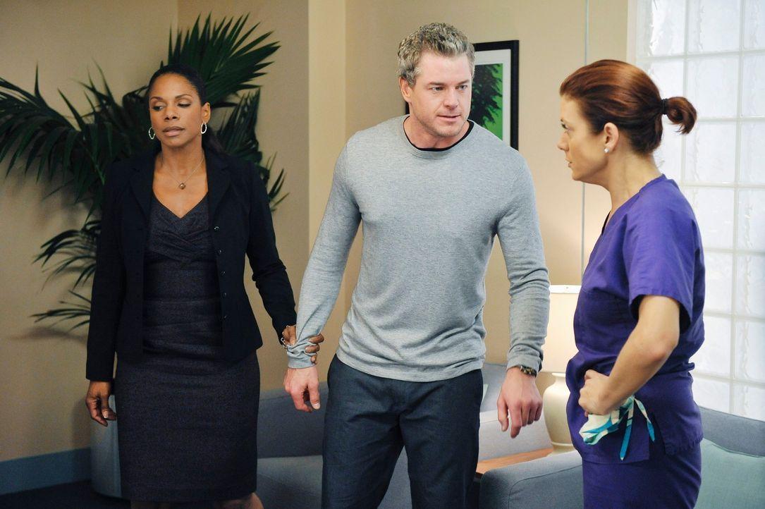 Neue Probleme pflastern ihren Weg: Addison (Kate Walsh, r.), Mark (Eric Dane, 2.v.r.) und Naomi (Audra McDonald, l.) ... - Bildquelle: ABC Studios