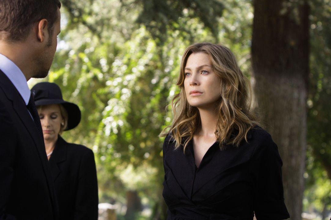 Haben nicht nur einen Kollegen, sondern auch einen guten Freund verloren: Alex (Justin Chambers, l.) und Meredith (Ellen Pompeo, r.) .... - Bildquelle: Touchstone Television