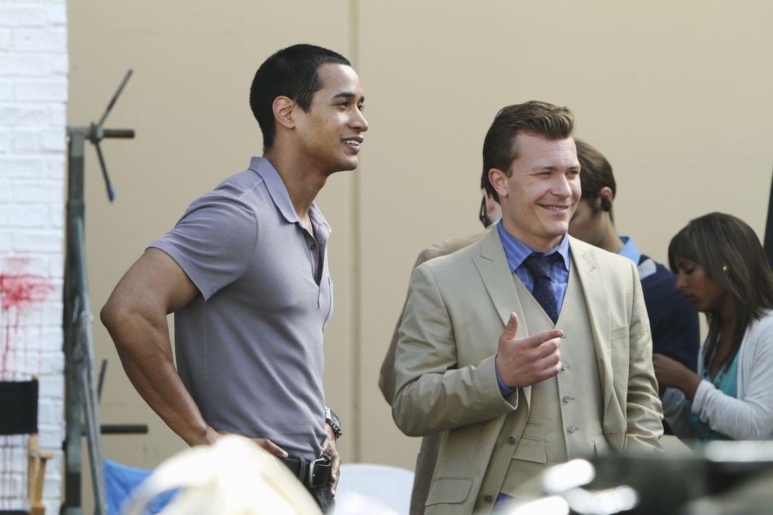 In der Verfilmung von Castles Roman übernehmen sie die Rollen von Javier Esposito und Kevin Ryan: Justice Gamble (l.) und (Ryan Deal, r.) ... - Bildquelle: ABC Studios