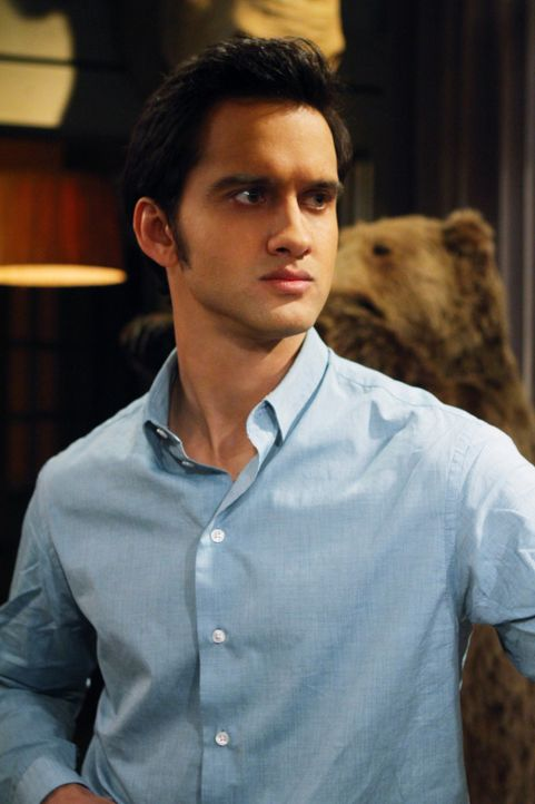 Navid (Michael Steger) will Silver unbedingt zurück ... - Bildquelle: 2012 The CW Network. All Rights Reserved.