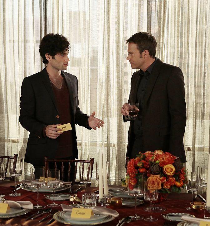 Dan und Steven - Bildquelle: Warner Bros. Television