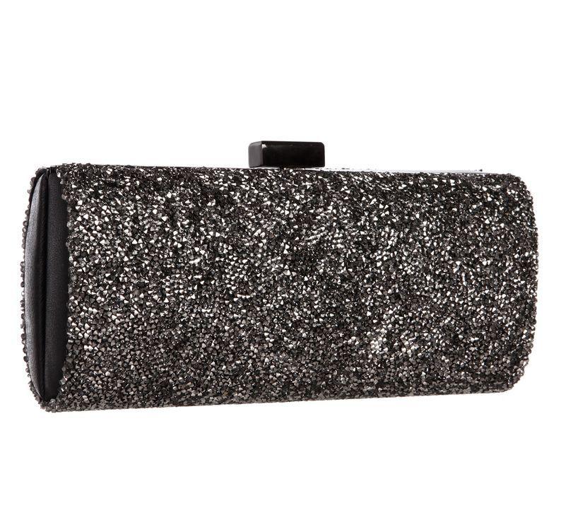Die perfekte Tasche in schwarz - Bildquelle: dresscoded.com