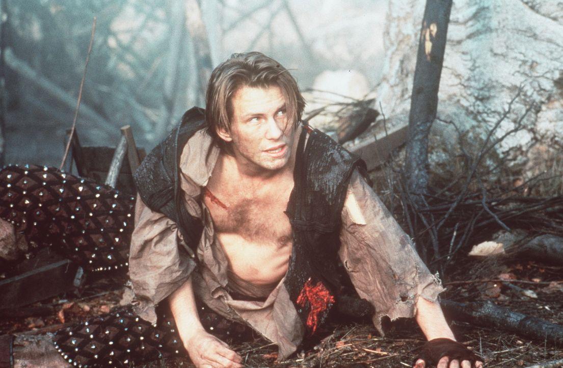 Will Scarlett (Christian Slater) versucht immer wieder, Robin Hood Steine in den Weg zu legen. - Bildquelle: WARNER BROS.