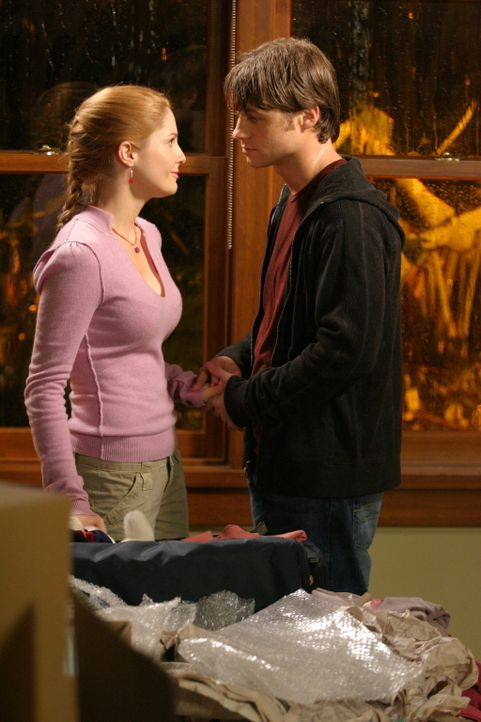Lindsay (Shannon Lucio, l.) entscheidet sich, den DNA-Test zu machen, der feststellen soll, ob sie Calebs Tochter ist oder nicht - Ryan (Benjamin Mc... - Bildquelle: Warner Bros. Television