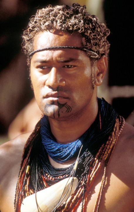 Mau (Jay Laga'Aia) versucht alles, um die Vertreibung seines Stammes durch den Bau eines Staudammes zu verhindern ... - Bildquelle: Cinetel Films