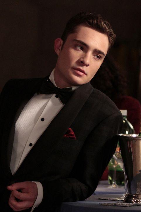 Auch Chuck (Ed Westwick) ist zur Feier gekommen, um sich bei Lily zu entschuldigen und für sie da zu sein ... - Bildquelle: Warner Bros. Television